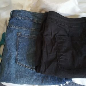 2 pairs of Faded Glory Short 16